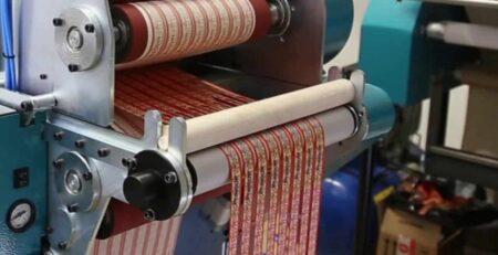 Como fazer cordão para crachá